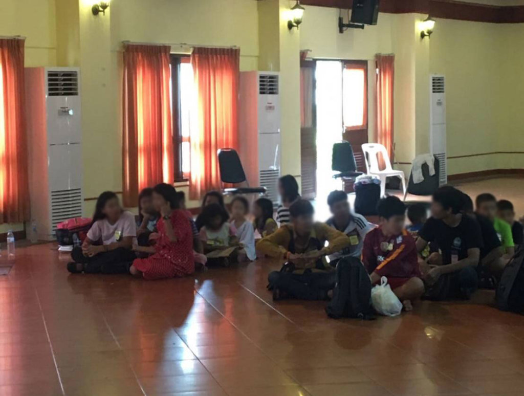 Refugee children from Viet Nam await transfer to government run-shelters after being separated from their parents. ©Fortify Rights, August 2018